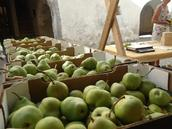 Traditional market for 'Palabir' pears, on 12 September 2020, from 10.00-16.00